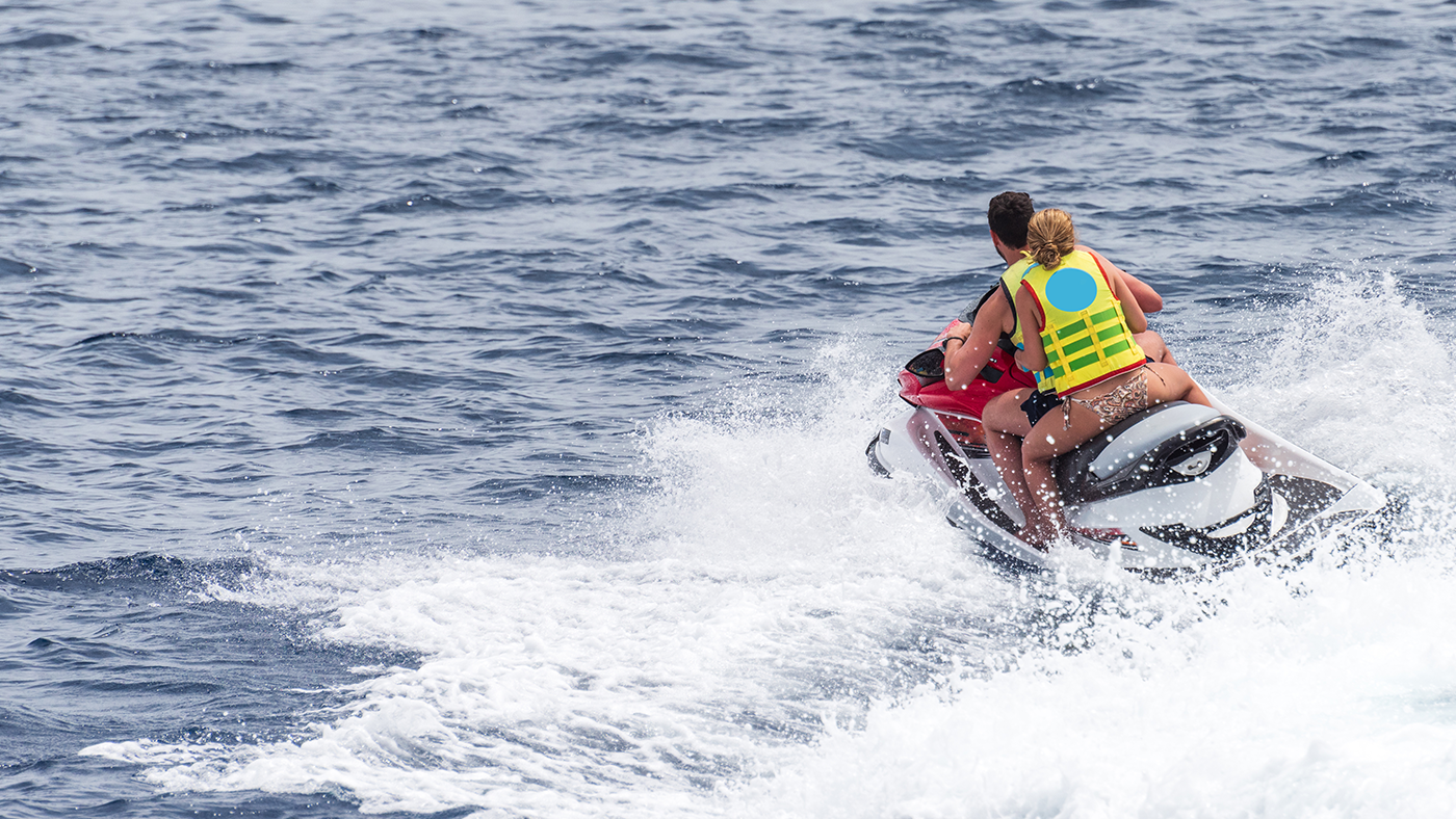 JET SKIS FROM   $395 day